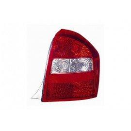 Feu arrière droit sans partie électrique pour Kia Cerato de 2004 à 2006 version 5 portes