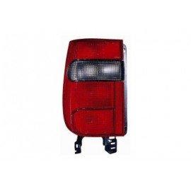 Feu arrière gauche sans partie électrique pour Skoda Félicia version Pick-up